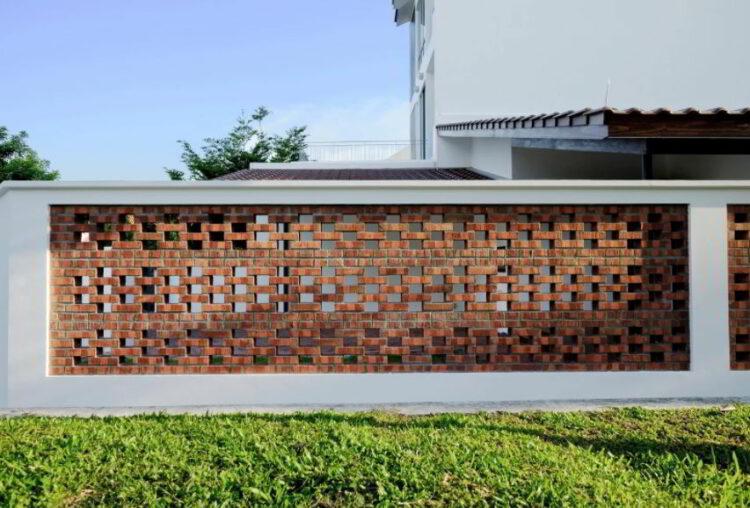 Desain Pagar Tembok dengan Batu Bata