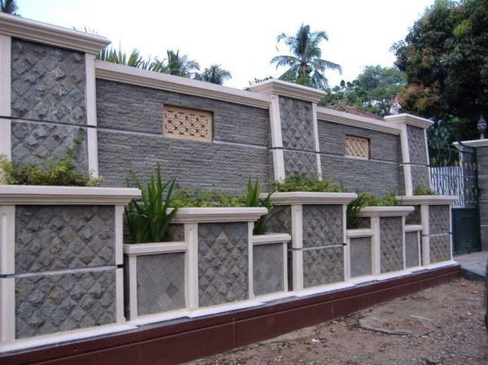 Model Pagar Tembok Dengan Bonsai