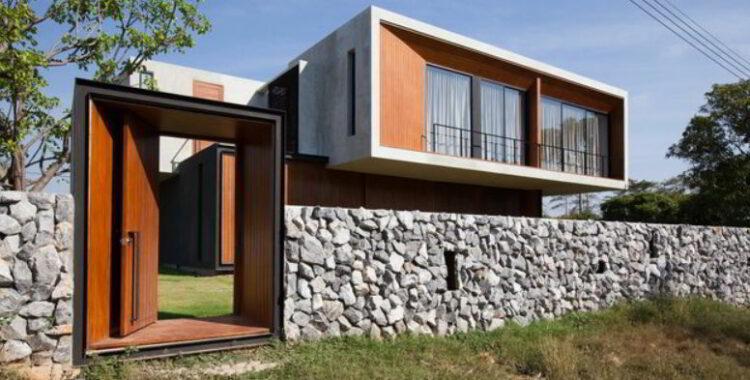 Tembok Minimalis dengan Batu Alam