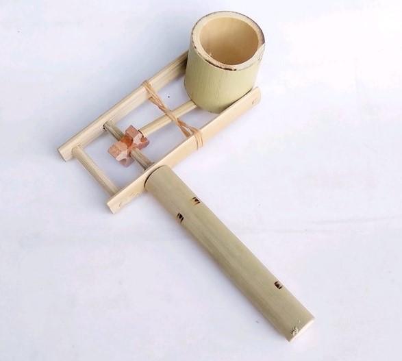 Kerajinan Mainan dari Bambu