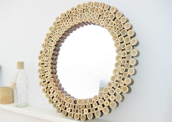 Kerajinan Bingkai Cermin dari Bambu