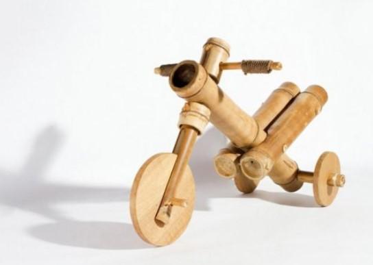 Kerajinan Miniatur dari Bambu