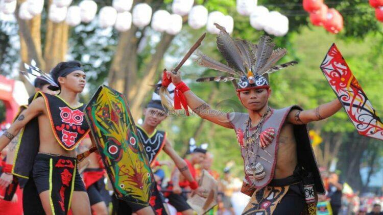 sejarah tari monong